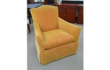 Lee Swivel Chair in Orange