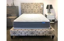 Lee Queen Upholstered Bed in Natchez Granite