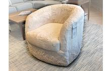 Omni Swivel Chair in White