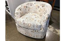 Omni Swivel Chair in Geometric White