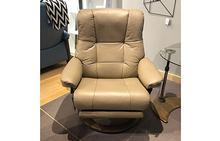 Mayfair Large Stressless Recliner with Leg Comfort in Paloma Funghi