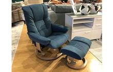 Mayfair Stressless Medium Chair and Ottoman in Blue