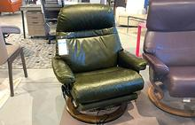 Sunrise Large Stressless Chair with Leg Comfort in Pioneer Green