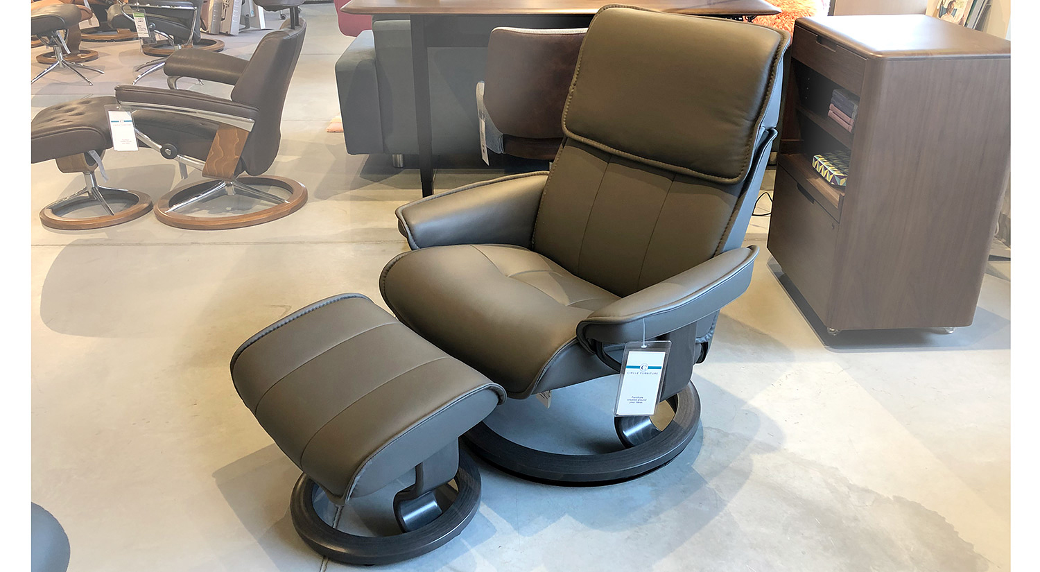 Admiral Large Stressless Chair in Metal Grey
