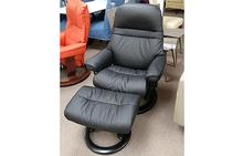 Sunrise Medium Stressless Chair and Ottoman in Batick Black