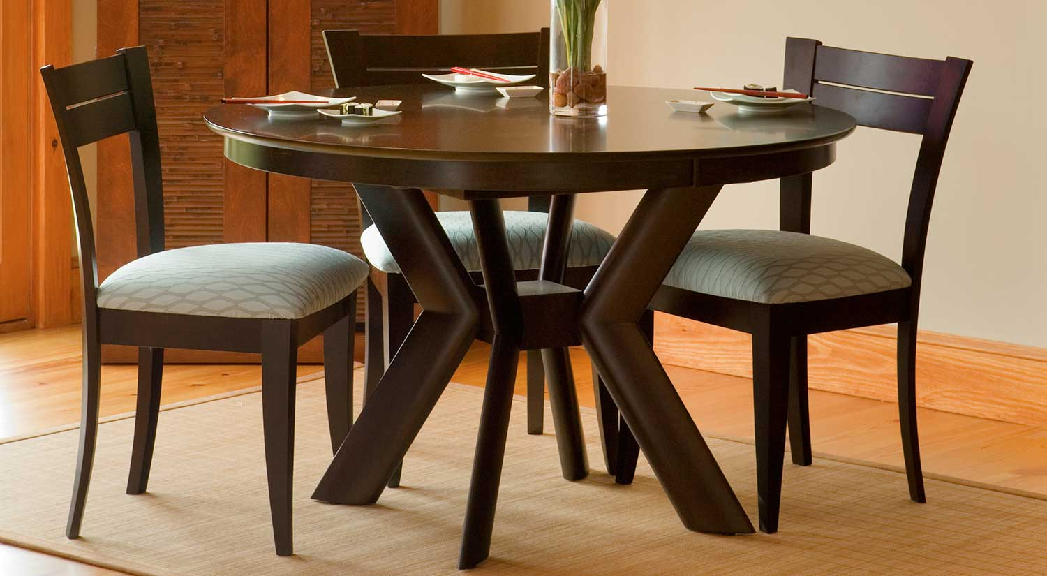 K Base Dining Table