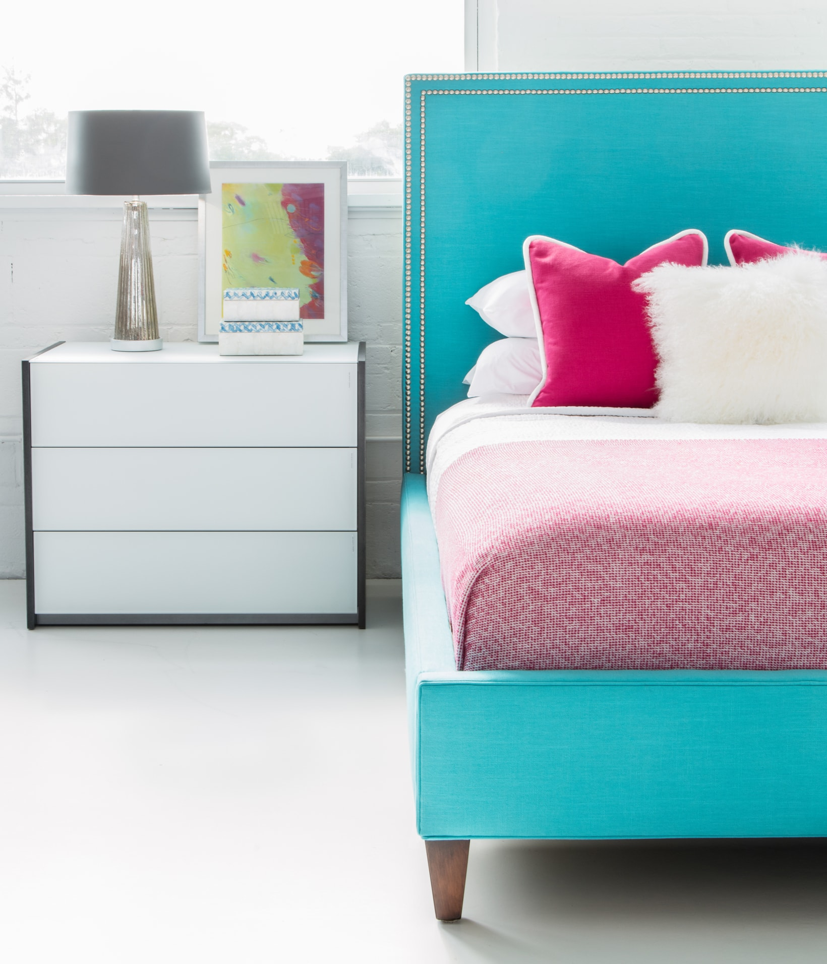 Circle Furniture How Much Does It Cost To Furnish A Bedroom